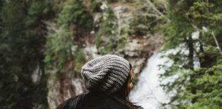 Eleganckie zimowe czapki damskie